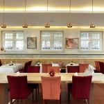 Altes Zollhaus Restaurant Holztisch