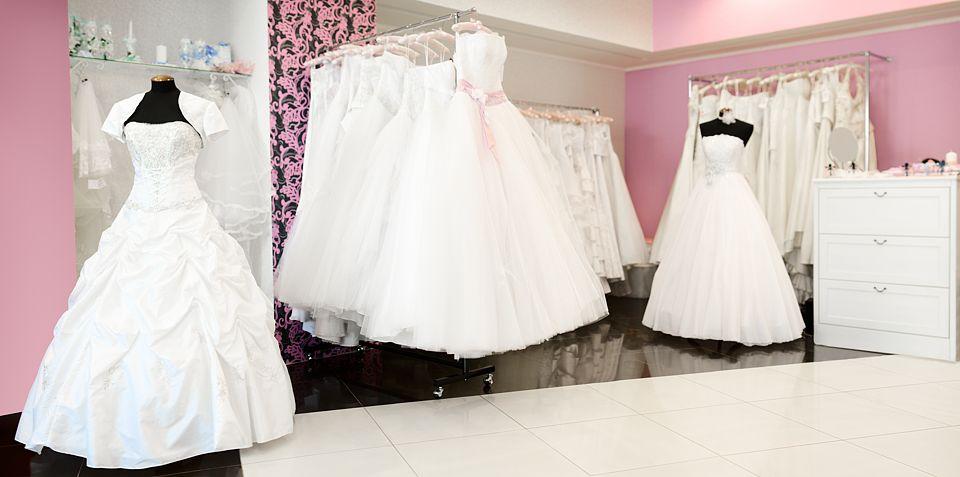Hochzeitskleider - www.berliner-heiraten.de Bild: © zakaz - Fotolia.com