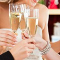 Anstossen nach der Hochzeitsrede Foto: © Kzenon - Fotolia.com