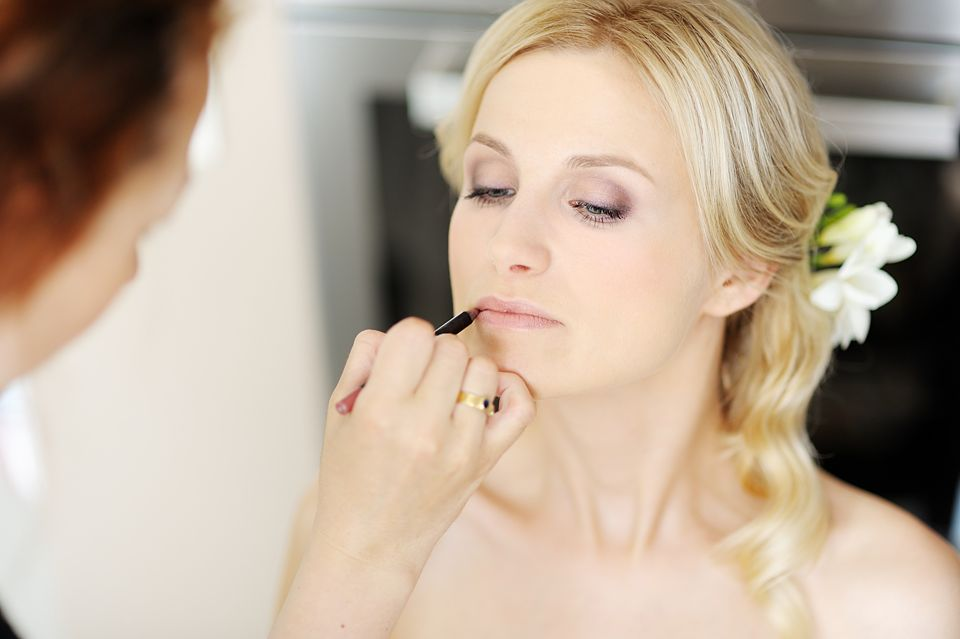 Braut Make up - www.berliner-heiraten.de Bild: © MNStudio - Fotolia.com