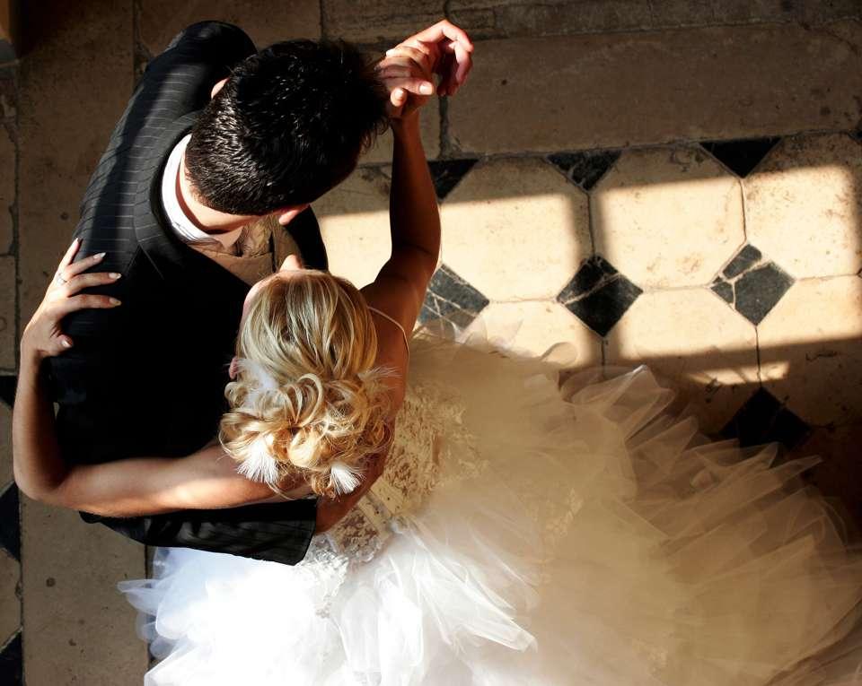 Mit der richtigen Hochzeitsmusik klappt auch der Hochzeitstanz Foto: © Samoth - Fotolia.com