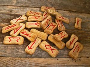 Glückwünsche durch Runen © Alex-V – pixabay.com