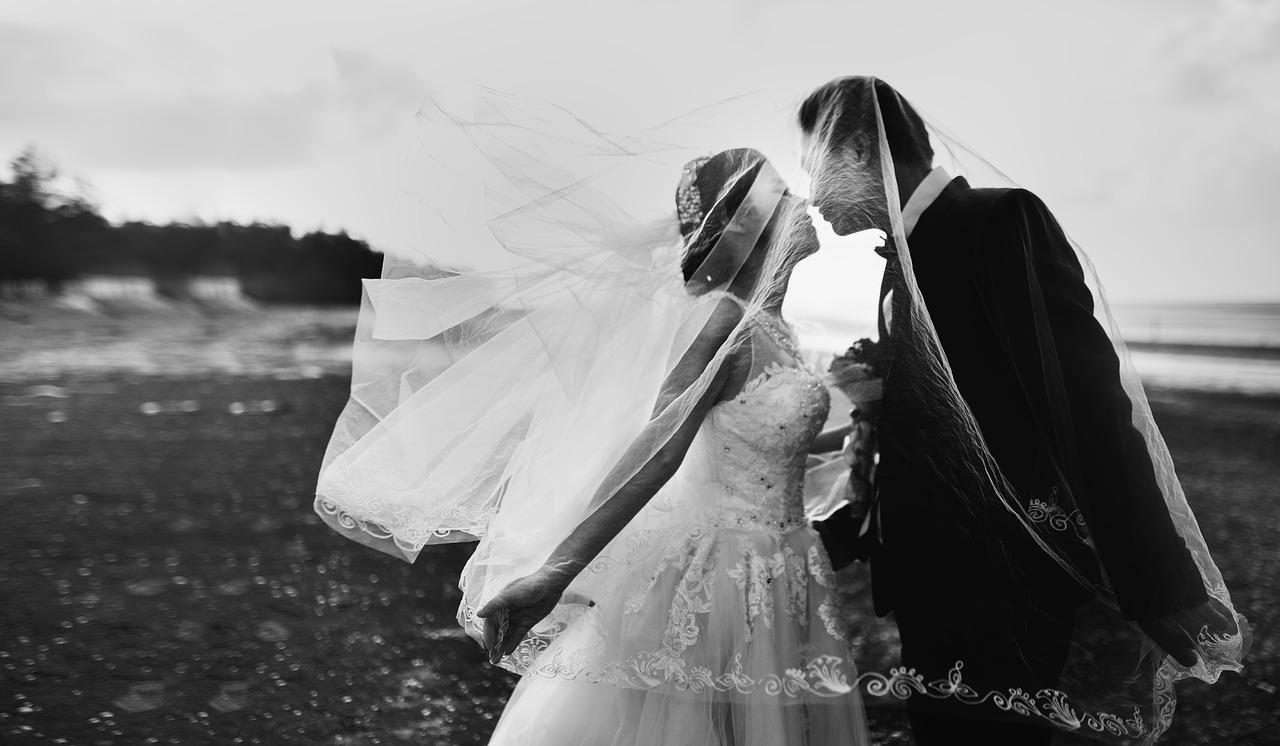 Die Hochzeit im Bild festhalten – mit oder ohne Profi?
